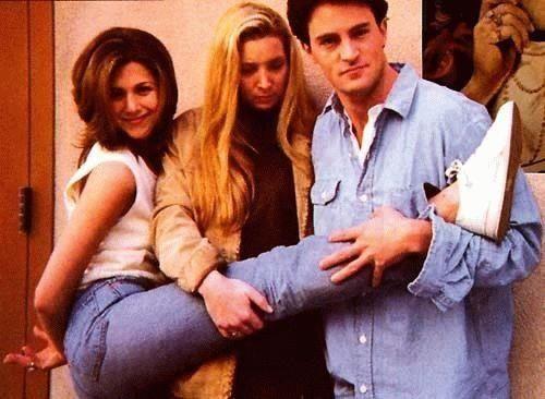 Friends - Rachel Green - Phoebe Buffay - Chandler Bing