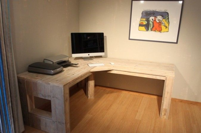 Mijn nieuwe werkplekje bureau van steigerhout erg prima for Bureau van steigerhout maken