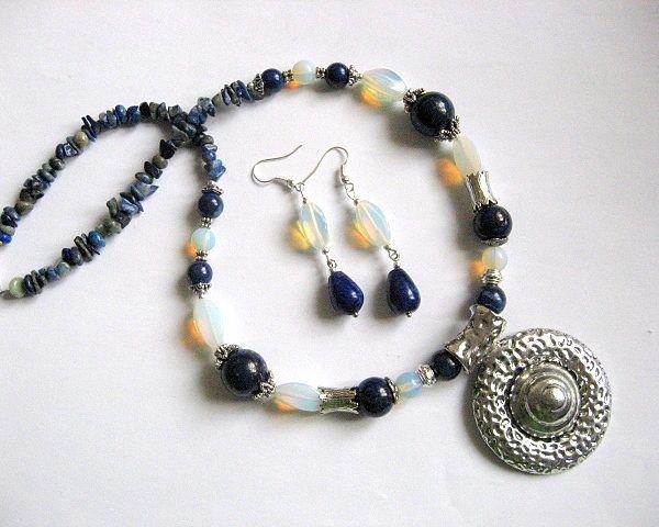Opal si lapis lazuli set bijuterie colier si cercei - transport - reduceri pret - ocazii - idei cadouri femei - pietre semipretioase