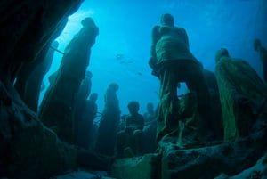 Underwater Sculpture Museum near Cancun, Mexico.CW0C19 Underwater Sculpture Museum near Cancun, Mexico.