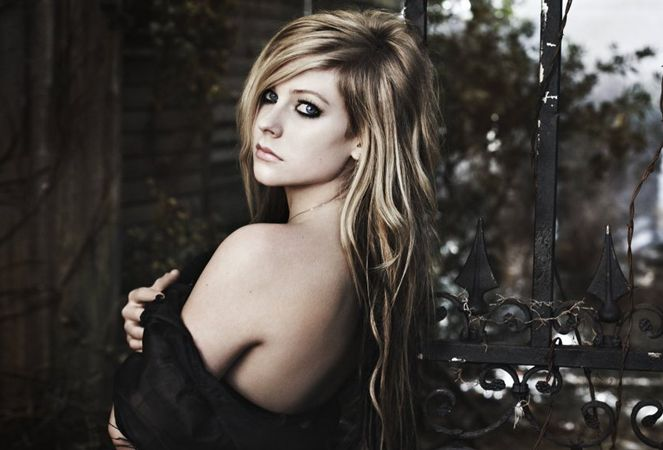 "She's Back! Avril Lavigne Takes Flight On Grey's New Song ""Wings Clipped"" – BreatheHeavy.com"