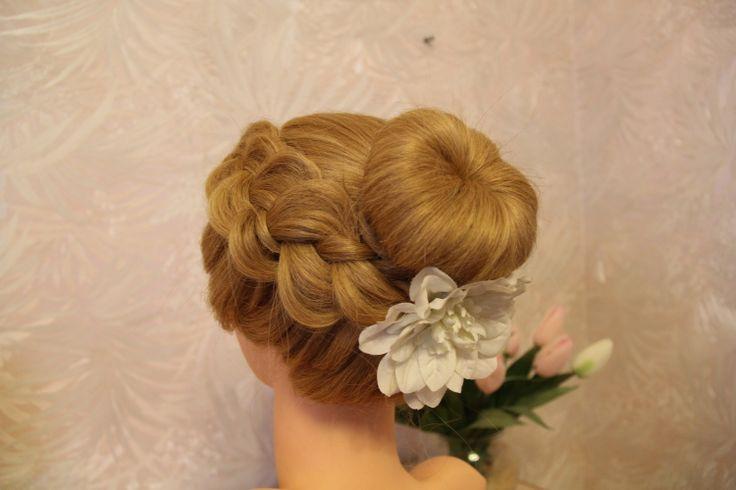 Причёска пучок с бубликом | Hairstyle beam with a bagel
