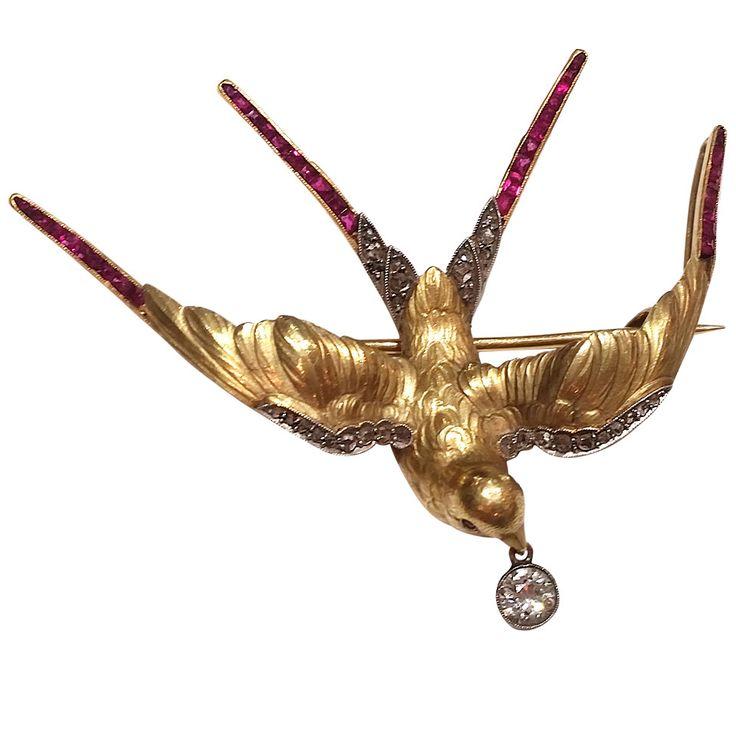 Art Nouveau Ruby Diamond Gold Platinum Bird Pendant Brooch. Beautiful Art Nouveau bird pendant/brooch. 18k Yellow gold and platinum.
