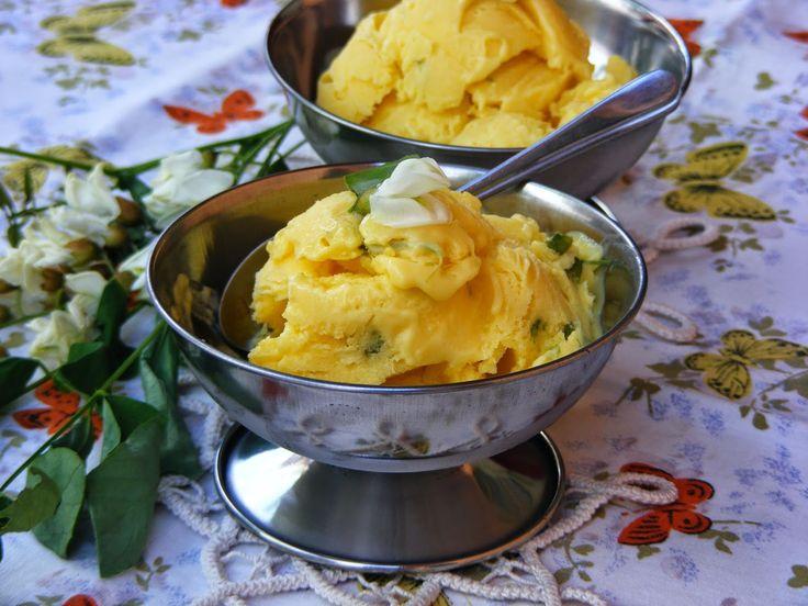 Makacska konyhája: Akácvirágos fagylalt