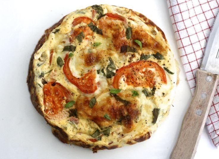 5 or less: Caprese frittata met de heerlijke combi van mozzarella en tomaat. Mmm #5orless #vega