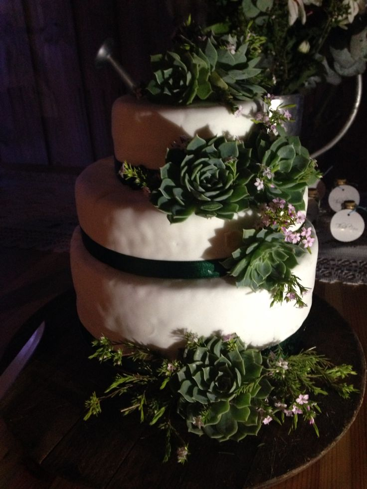 Nuestra #weddingcake #tortadeboda #wedding #danielygia #hackeatuvida