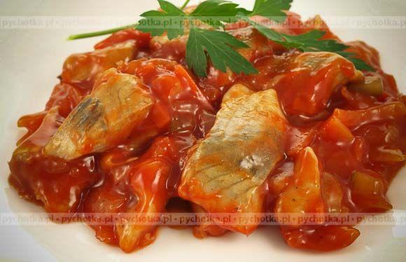 Śledzie w pomidorowym sosie