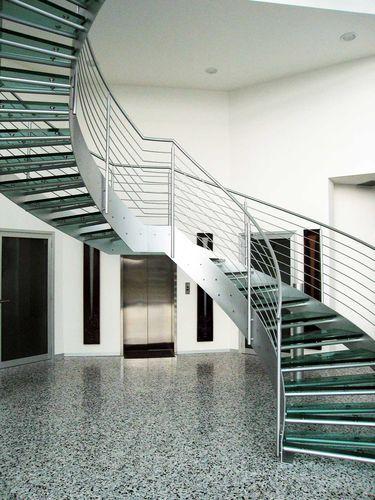 Escalera helicoidal estructura de acero inoxidable for Escaleras helicoidales