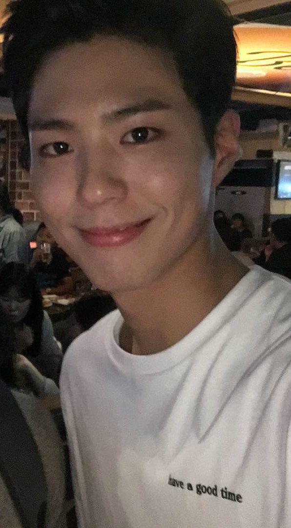 박보검 161019 < 구르미 그린 달빛 > 종방연 [ 출처 https://www.instagram.com/p/BLvuXmaAqsT/ ]