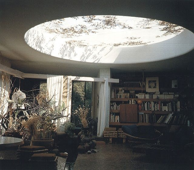 interior+design+moon+to+moo.jpg (640×563). This creates a wonderful effect and is a creative way of letting in a lot of light naturally into a room perhaps under ground/water?
