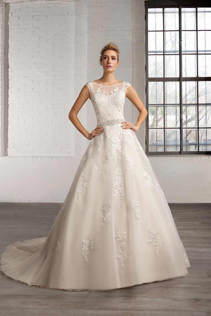 Cosmobella wedding dress Style 7768: Cosmobella 2016 bridal collection : https://www.itakeyou.co.uk/wedding/cosmobella-wedding-dress-2016 #weddingdress #weddingdresses