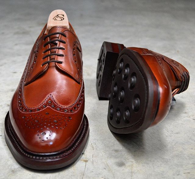 American longwing Shoreditch in Mahogany calf with dainite soles made by Alfred Sargent