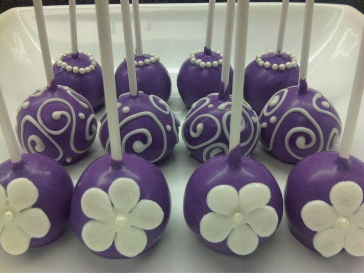 dyelis Purple cake pops