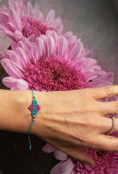 Armbänder - * Filigranes Armbändchen Makramée * - ein Designerstück von crochet bei DaWanda