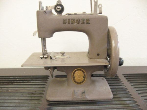 Singer Children's Sewing Machine Sewing Machines Pinterest Best Who Makes Singer Sewing Machines Now
