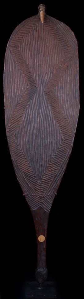 OUTSTANDING ABORIGINAL STONE-CARVED OVAL SPEAR THROWER WOOMERA (TRIBALMANIA.COM)