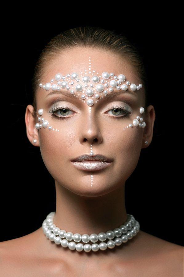 17 meilleures id es propos de maquillage strass sur pinterest maquillage de f te rave et - Maquillage araignee visage ...