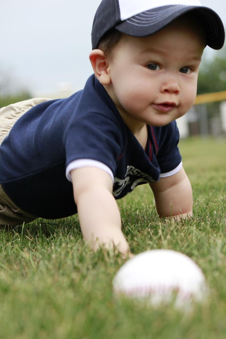 baby photo, baseball, baby photography idea, toddler photos