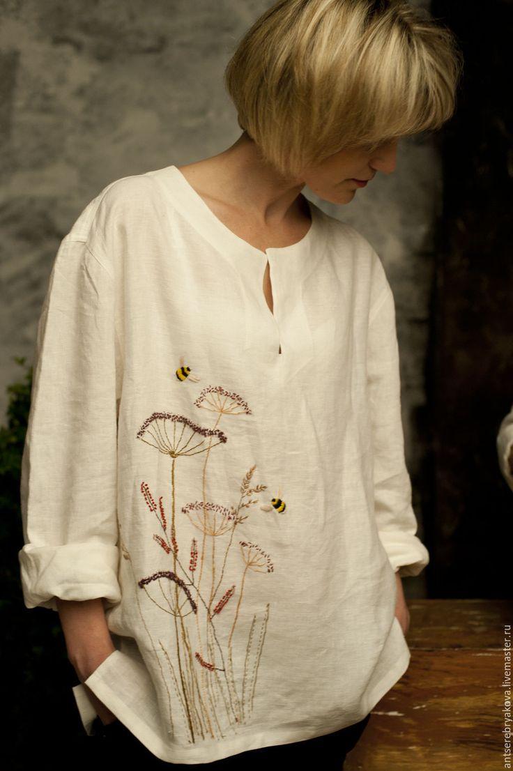 Купить или заказать Туника льняная с ручной вышивкой 'Травы и шмели' в…