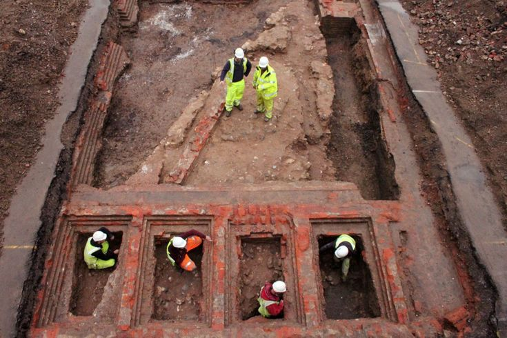 Archaeologists working in Gloucester have discovered the remains of a 12th-century castle. The find was made on the site of a former prison.