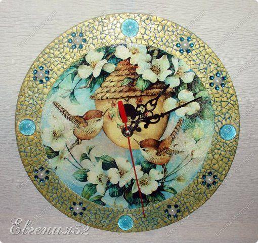 Декор предметов Декупаж Часы бывают разные Бумага Краска Скорлупа яичная фото 1