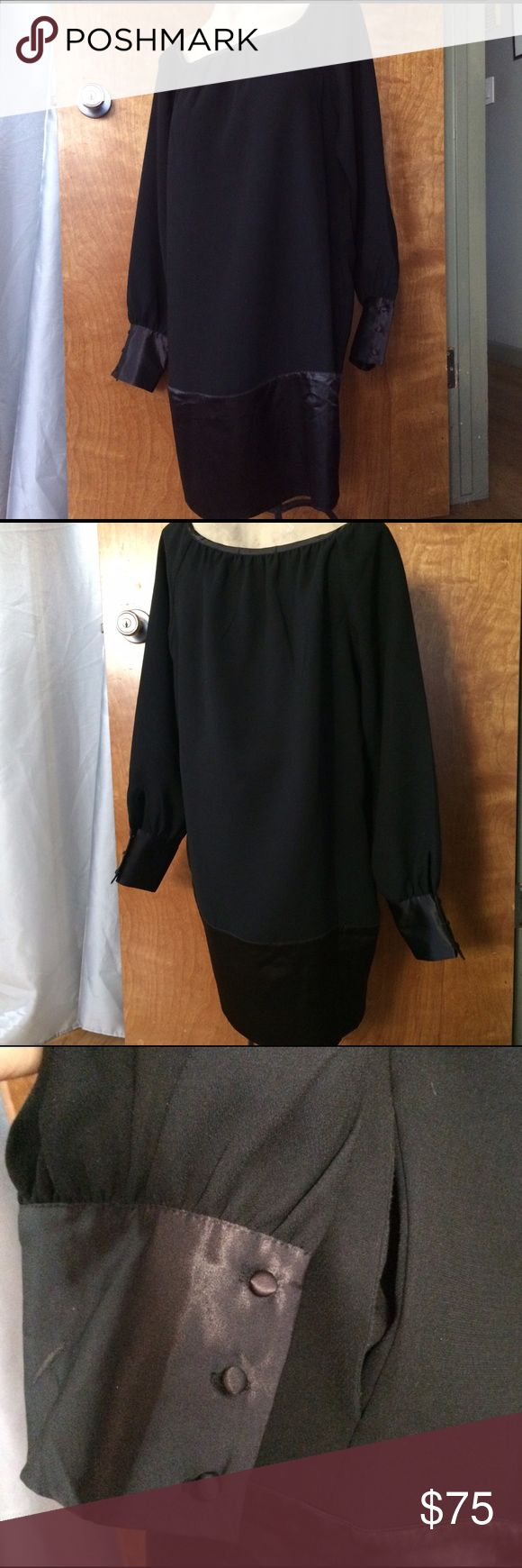 """Vertigo Paris Cocoon Dress The perfect """"hide belly"""" dress with side hidden pockets. 35"""" length. Can dress it up or down and very comfortable. Worn once. Looks absolutely new. Vertigo Paris Dresses Mini"""