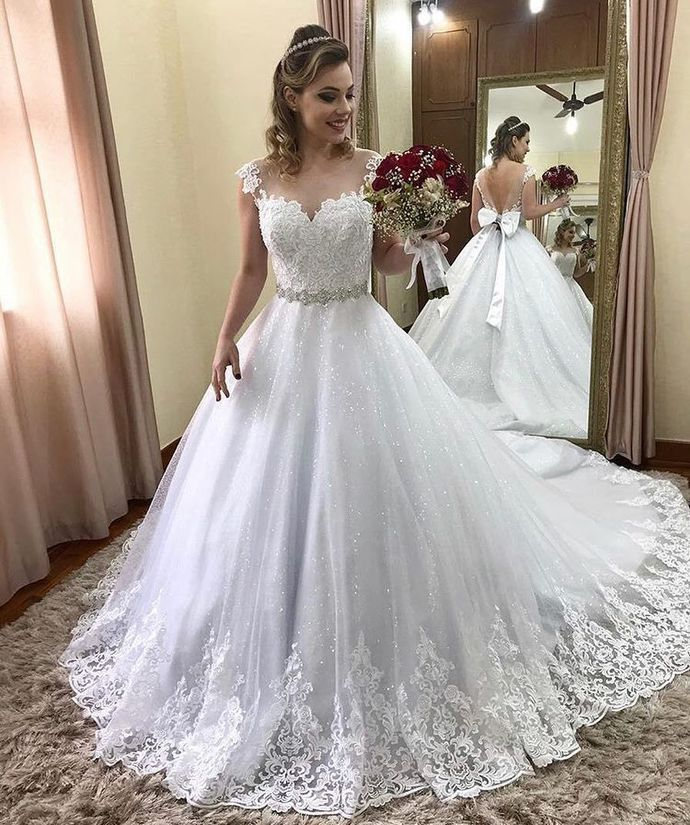 Vintage White Ball Gown Lace Wedding Dress Beaded Women Bridal Gowns With Bow In 2020 Ball Gowns Wedding Girls Bridesmaid Dresses Short Wedding Dress