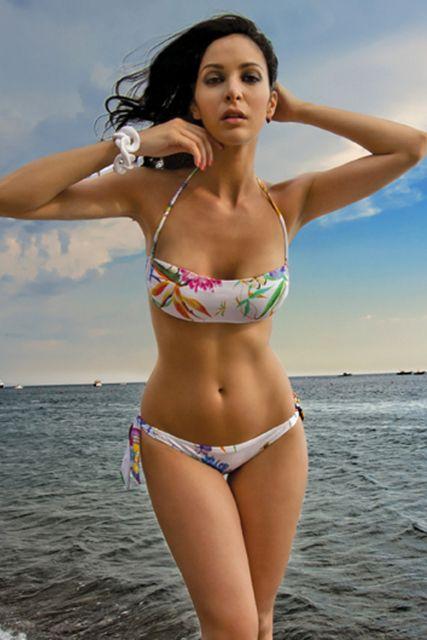 #modamare #moda #swimwear #holiday #mare #beach #fashion #tendenzemoda #summer #fresh #cold #hotsummer #costumidabagno #madeinItaly #positano #Italy #Capri #CostieraStyle #style #trends #Naples #portrose #italia #modaitaliana #Eden
