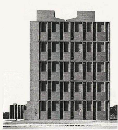 Louis Khan  - Hotel 1946