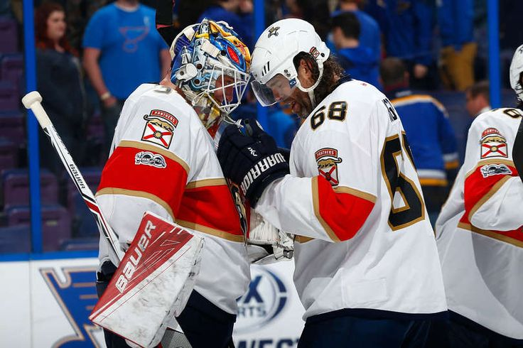 ST. LOUIS, MO - FEBRUARY 20: James Reimer #34 and Jaromir Jagr #68 of the Florida Panthers celebrate after beating the St. Louis Blues at the Scottrade Center on February 20, 2017 in St. Louis, Missouri. (Photo by Dilip Vishwanat/NHLI via Getty Images)