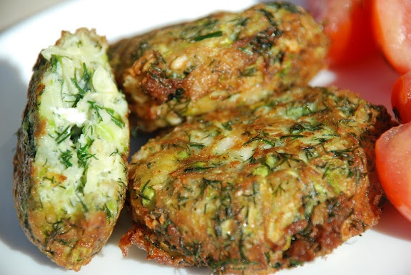 Zucchini Fritters with dill and feta | Recipes I'd like to try | Pint ...
