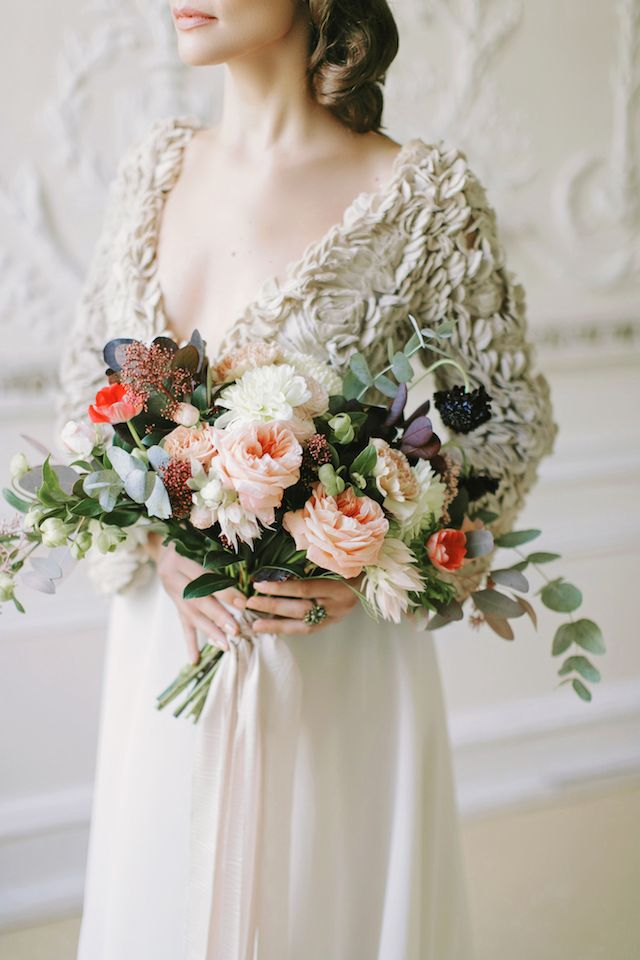Asymmetrical, textural bridal bouquet | Kupriyanovy Photography