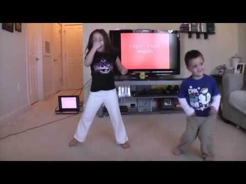 Kids Dancing & Making Funny Faces to Hit Songs