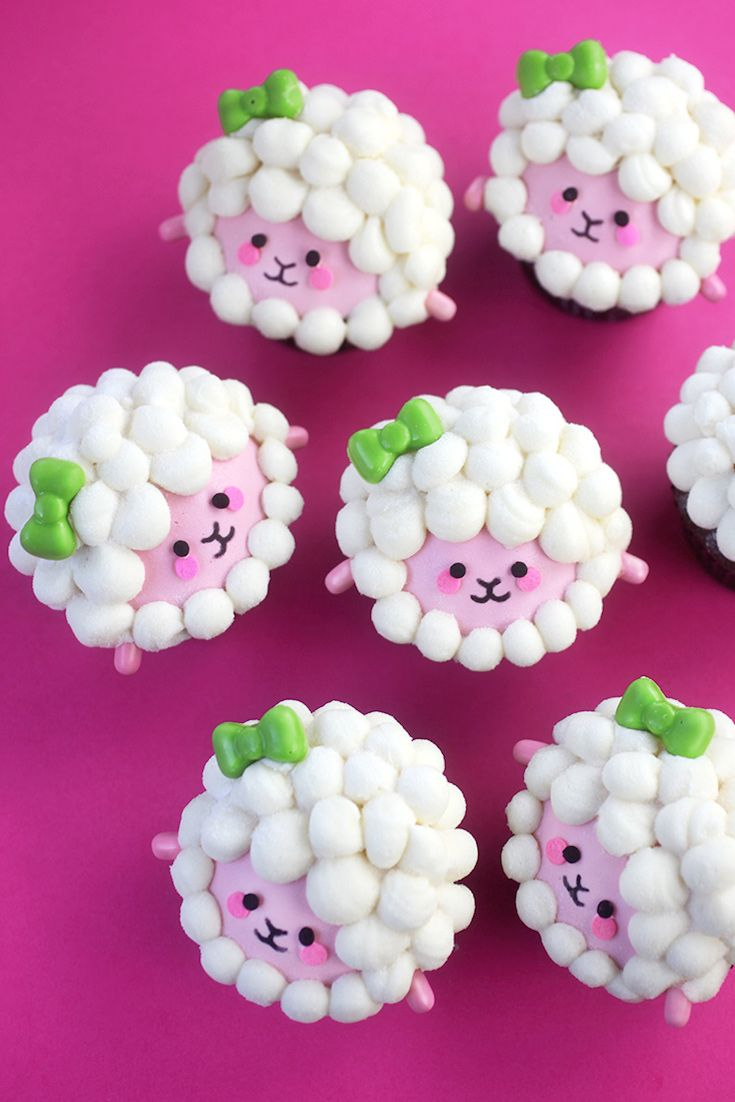 These little lamb cupcakes are adorable! Wouldn't they make a great treat for a children's party? @Craftsy