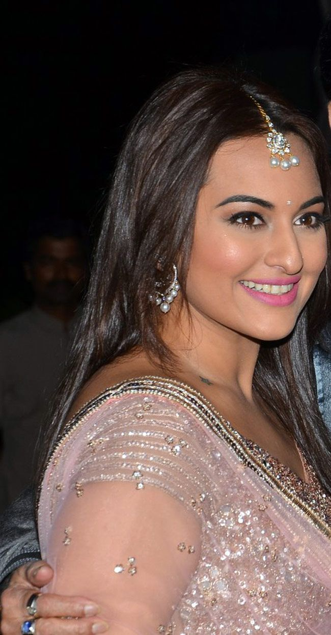 Sonakshi Sinha at her brother Kush Sinha's wedding reception. #Bollywood #Fashion #Style #Beauty