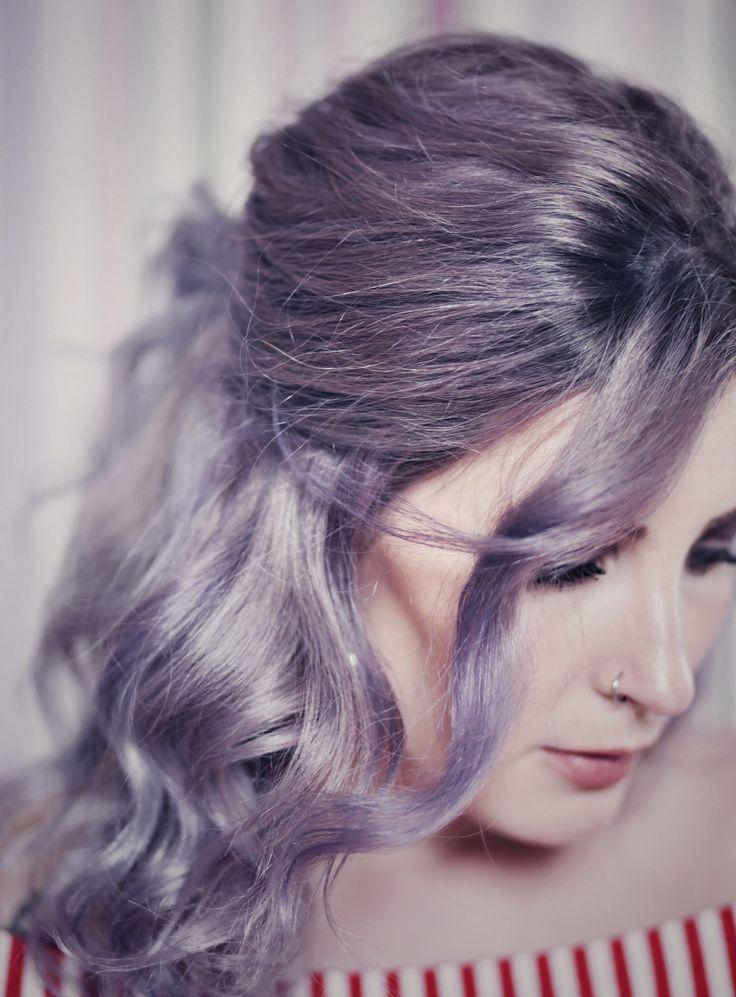 Tutorial lila graue Haare, wie werden meine Haare grau, Färbeanleitung graue Haare, beste Produkte für graue Haare, Lila Haare, Graue Haare, Haare lila färben, Like A Riot