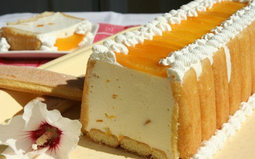 Retete Culinare - Prajitura cu iaurt si frisca