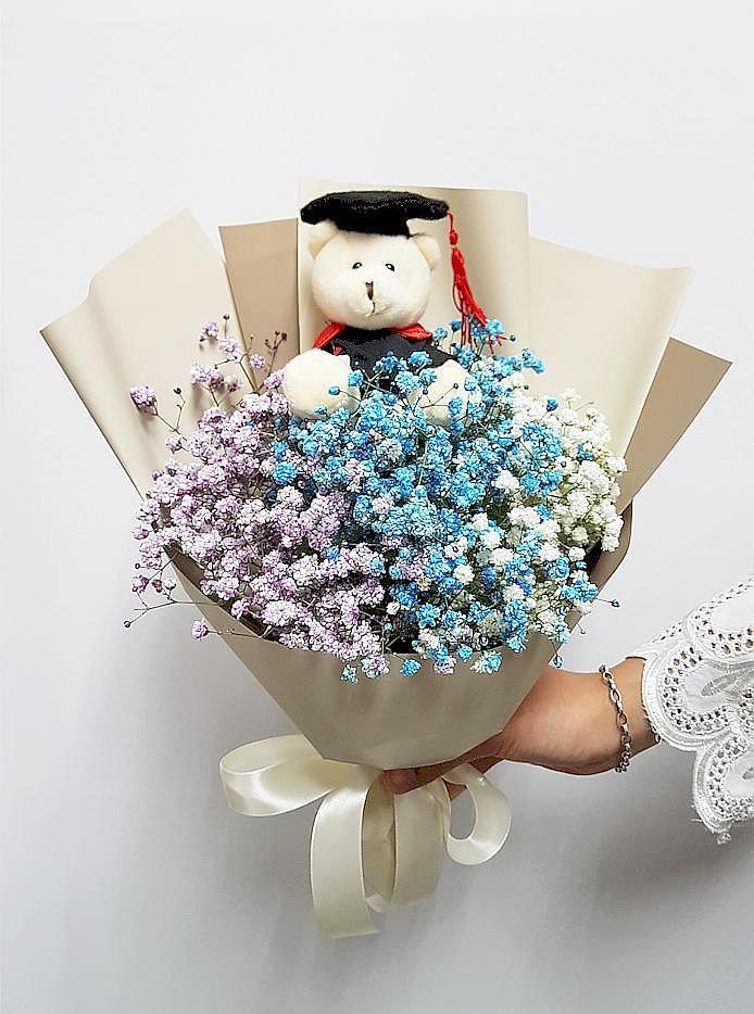 Baby S Breath Bouquet With Adorable Graduation Bear Graduation Flowers Graduation Flowers Bouquet Babys Breath Bouquet