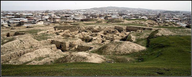La dinastía de los ijsidos de Samarcanda fue la rama de dinastía Kan, gobernada en los principados de Samarcanda de los tiempos de kangyuy. De acuerdo con fuentes chinas, ella junto con las dinastías de los reyes de Jorezm y gobernantes de Bujara derivó de la …