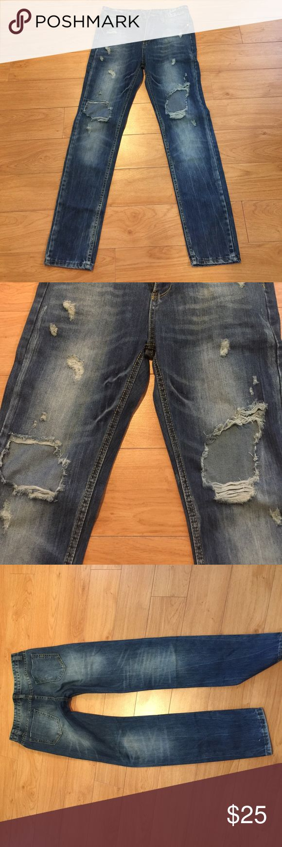 Ripped jeans Unbranded but looks like Zara ripped jeans. About a size 2. unbranded Jeans Boyfriend