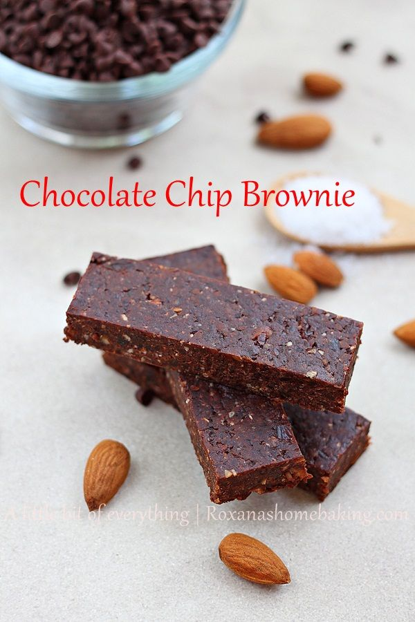 Homemade chocolate chip brownie energy bar, made with dates, nuts and chocolate chips. #Healthy. #Glutenfree. #Vegan