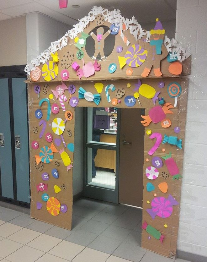 Esl Classroom Door Decoration ~ Make a gingerbread door for your esl classroom or