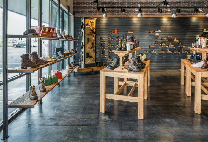 Shelves in Danner Tanasbourne Commercial TI