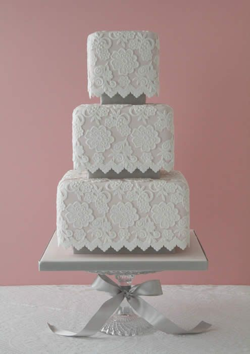 I love lace wedding cakes. Great idea to match with a lace wedding dress.