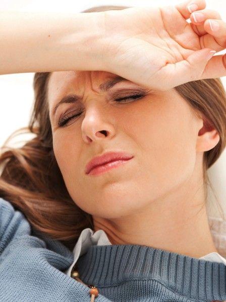 Migräne kann viele Ursachen haben. Eine davon ist Vitaminmangel.