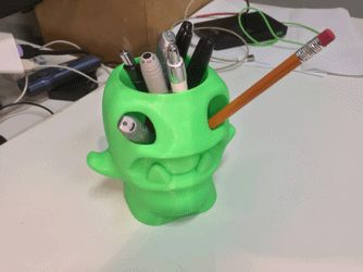 Glow in the dark 3d printed pen monster! Something for the Geeky Christmas Fair that's happening this Friday!