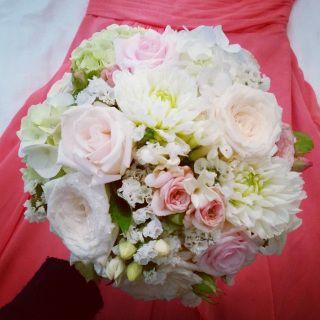 Light pink bridal bouquet with dahlias and statice #sunpetalsflorist