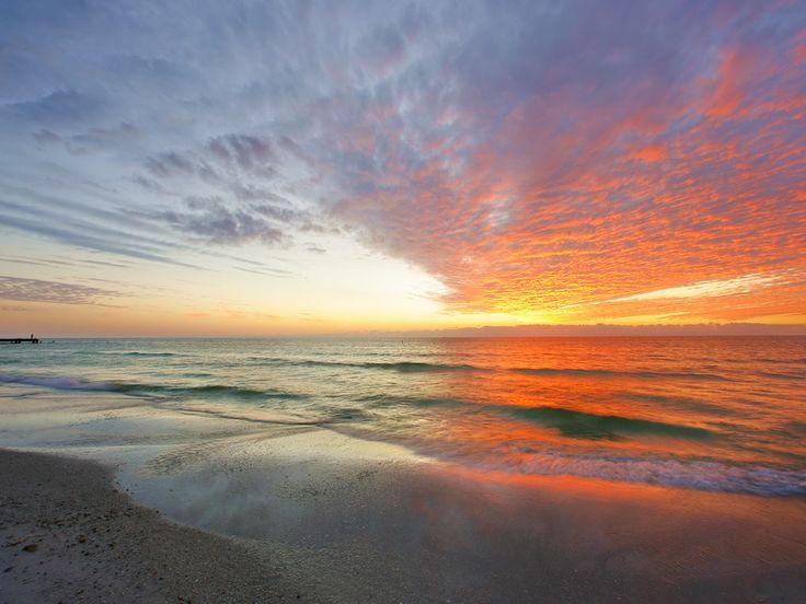 Siesta Key Florida sunset: At The Beaches, Favorite Places, Keys Beaches, Sunsets Siestakey, Keys Sunsets, Beautiful Sunsets, Florida Sunsets, Sunsets Florida, Siesta Keys Florida