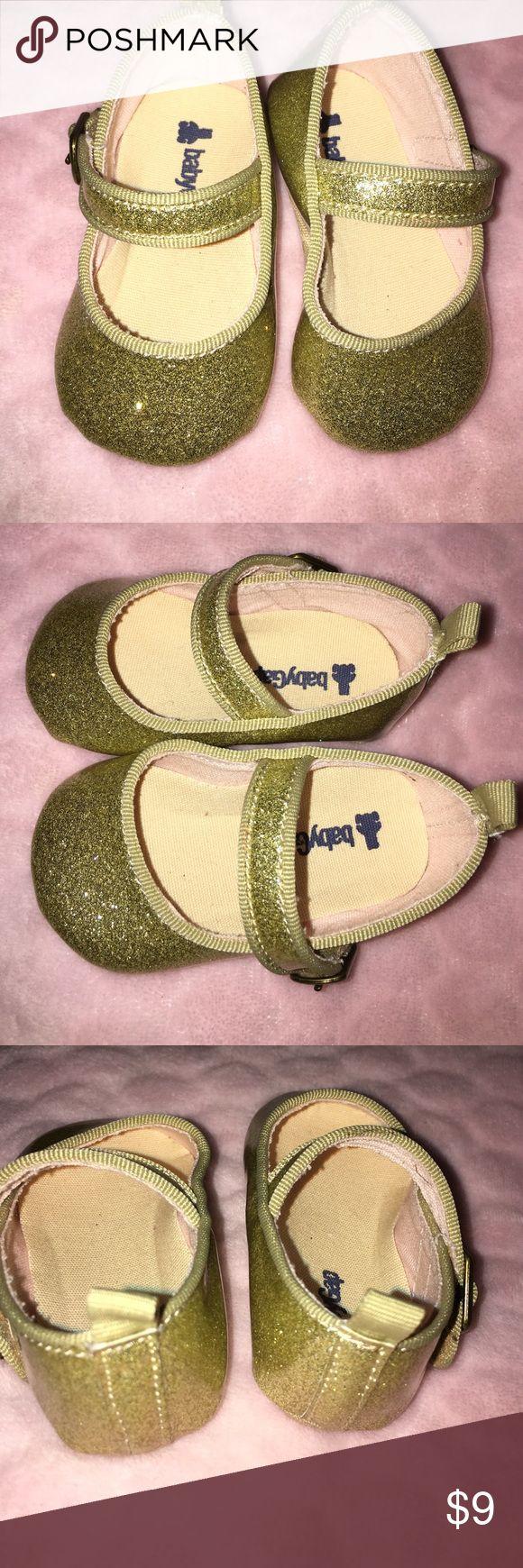 Baby GAP Shoes Girl Size 1 Glitter ✨ Gold Dressy Shoes Girl 3-6 months. Worn once Shoes Dress Shoes