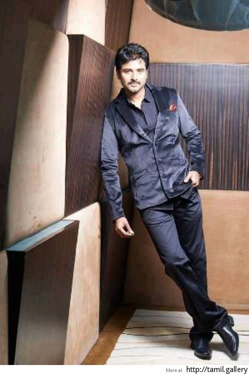 Sivakarthikeyan to choose between two blockbuster directors - http://tamilwire.net/51565-sivakarthikeyan-choose-blockbuster.html